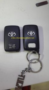 toyota-avensis-smart-key